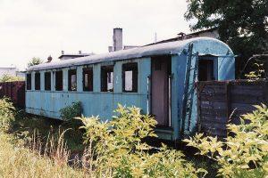 Zdekompletowany wagon typu 3Aw, zakupiony później przez Kolej Rogowską.