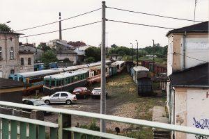 Widok z wiaduktu na stację Gniezno Wąskorowe.