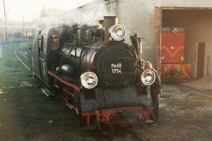 Px48-1754 pod halą parowozowni.
