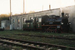 Px48-1785 pod halą parowozowni.