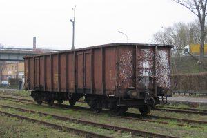 Wolsztyn - węglarka, która pewnie przywiozła węgiel do parowozów.