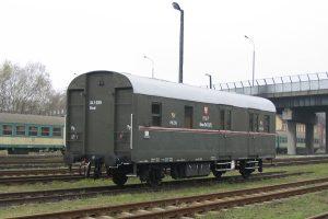 Wolsztyn - dwuosiowy wagon pocztowy.
