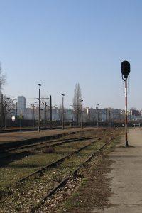 Lublin Północny - opuszczone torowisko i nieczynny semafor.
