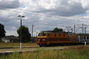 Koło Wąskotorowe - Intercity prowadzony EP09-040.