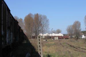 Cmentarzysko kolejowe w Koninie. Widać dużo Gagsów.