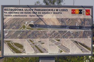 Tablica informująca o nowym układzie drogowym przy Ikei.