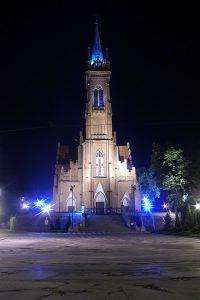 Zgierz, Plac Jana Pawła II - kościół.