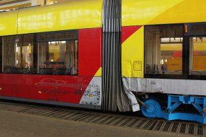 Uszkodzony w wyniku kolizji wagon #1214.