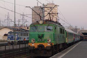 Łódź Fabryczna - EP07-357 i EU07- 085.