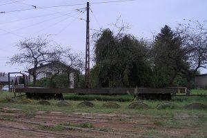 Wagon towarowy - platforma.