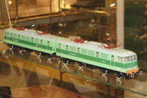 Model elektrowozu ET41.