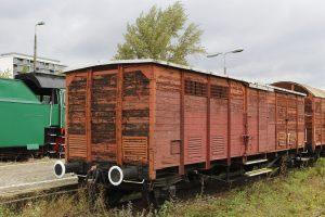 Wagon kryty produkcji francuskiej.