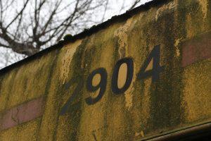 Przeznaczony do kasacji Jelcz M11 #2904 - numer taborowy.