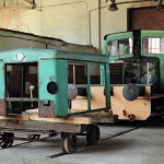Remontowana lokomotywa spalinowa Ls60-143.