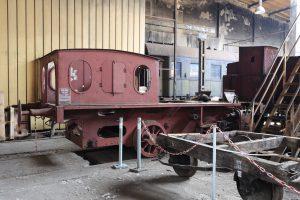 Remontowany parowóz TKb 10672.