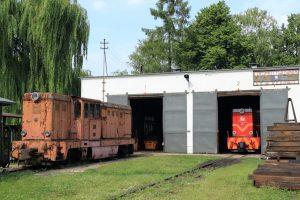 Lokomotywa spalinowa Lxd2-340 i Lxd2-264.