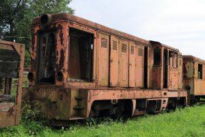 Należąca do Zakładu Nieruchomości PKP lokomotywa Lxd2-249 .